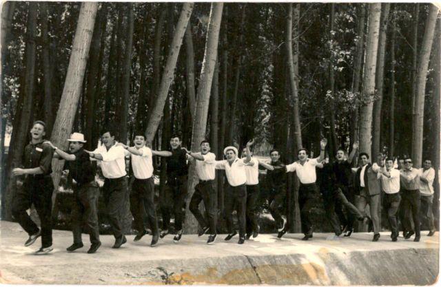 Cuadrilla de Arenzana celebrando la vuelta de Ciriaco