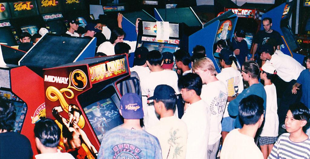 Salones recreativos con el juego Mortal Kombat